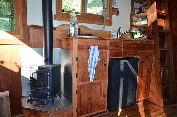 Hobbit Stove in Tiny House - Hobbit-wood-stove-tiny-house Tiny Wood Stove